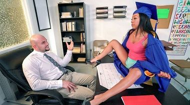 Mofos - Mofos B Sides - Piledriver for Student Hottie with Vivianna Mulino
