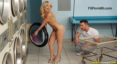 RealityKings Milf Hunter – Dirty Laundry Laura Bentley & Van Wylde 380x210