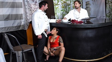 Brazzers Exxtra - Tasting The Chef with Honey Gold & Charles Dera 380x210