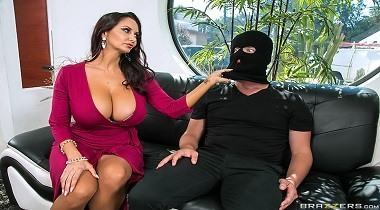Brazzers - Mommy Got Boobs - Mom's Panty Bandit with Ava Addams & Van Wylde 380x210