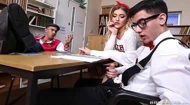 Teens Like It Big - Squirtin' On A Nerd with Rhiannon Ryder & Jordi El Niño Polla by Brazzers 380x210
