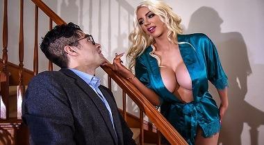 Brazzers - Bath Bombshell Nicolette Shea & Xander Corvus - Pornstars Like It Big 380x210