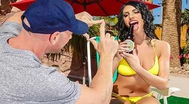 Brazzers HD - Pornstars Like It Big The Thirst Is Real August Ames & Johnny Sins 380x210