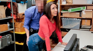 Shoplyfter Case 1128285 by Lilly Hall 380x210