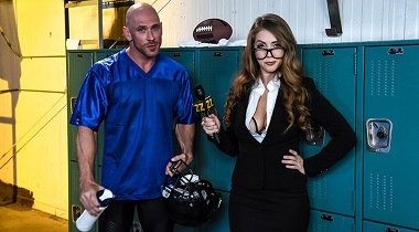 Brazzers porn hd - On The Sidelines, On Her Knees by Lena Paul & Johnny Sins 380x210