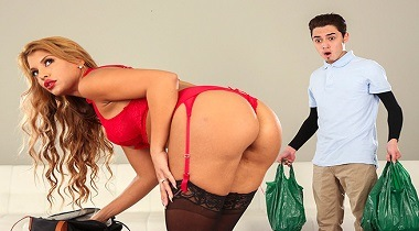 BANGBROS - Hot Milf Fucked Delivery Guy with Mercedes Carrera & Juan -MomIsHorny 380x210