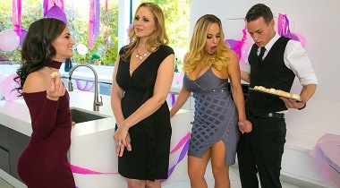 Brazzers Sex - My Stepmom's Social Club with Julia Ann, Olivia Austin & Justin Hunt 380x210